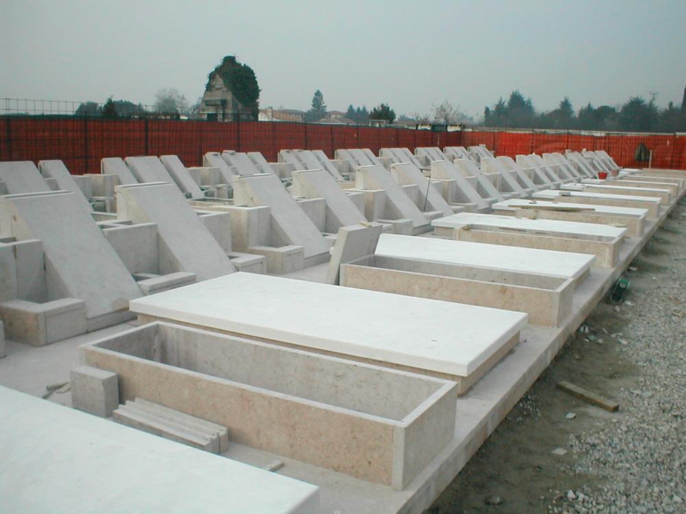 tombe_cimitero_capoluogo_01