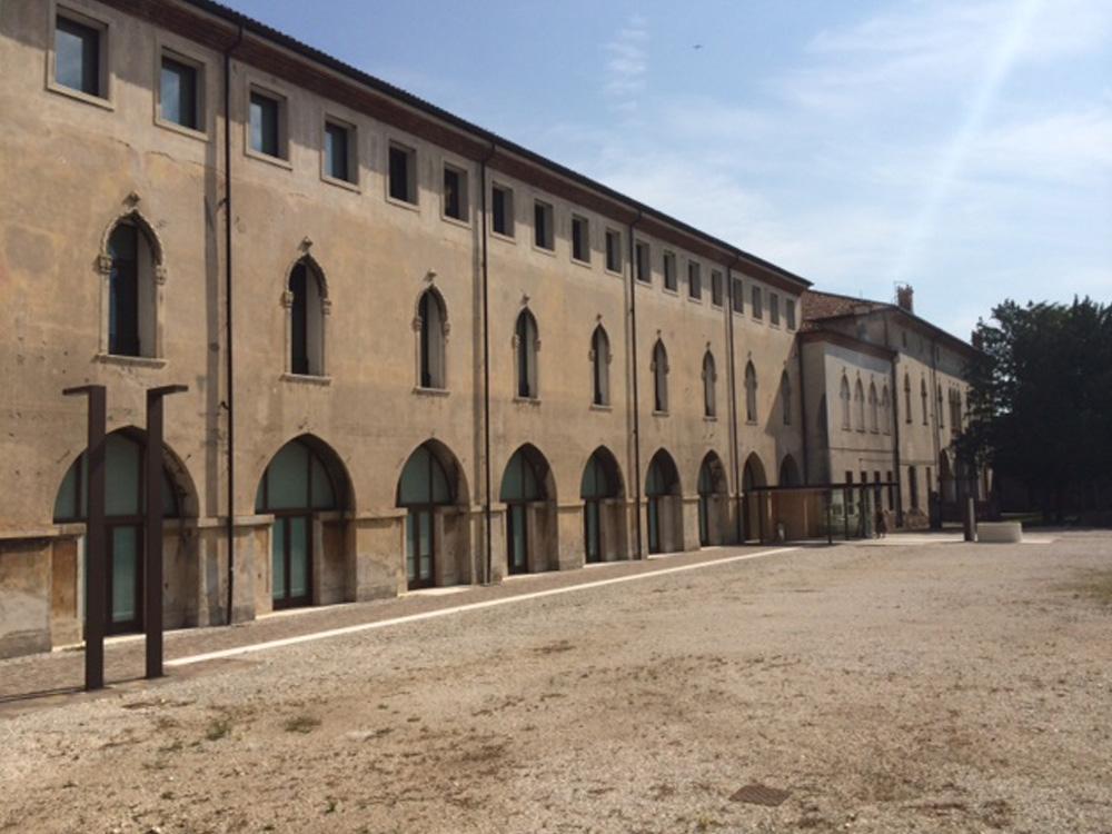 Palazzo Cornaggia Ex Sede Itis